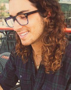 Men's #Curly #Hair #TRESStreetStyle