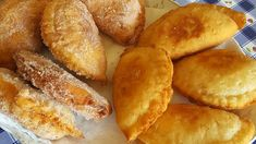 Fried Apple Pies - YouTube Apple Desserts, Apple Recipes, Great Recipes, Favorite Recipes, Fried Apple Pies, Fried Pies, Pie Dough Recipe, Pie Cake, Hot Dog Buns