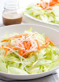 Vegan Chinese Salad. Super easy vegan Chinese salad. It's made with lettuce, carrots, agar and soybean sprouts. It has only 114 calories per serving and tastes awesome. | minimaleats.com #minimaleats #vegan #glutenfree