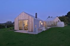 Norwegian architectural practice Jarmund/Vigsnæs have designed a summer house in Zealand, Denmark. The site is located in a beautiful but windy summerhouse village on the northern tip of Sjælland, Denmark.