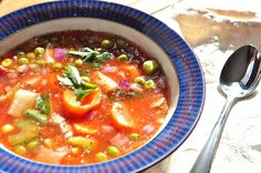 Confused Homemaker: Simple crockpot vegetable soup.