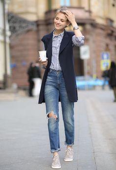 how to wear sleeveless blazer