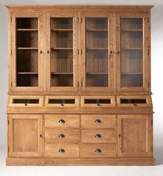 #Vaisselier en #bois #massif ciré miel, avec 4 portes vitrées, 2 portes, 4 trappes et 6 tiroirs.