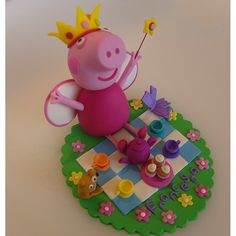 [ Cake Model/ Topper ] – Princess Peppa Pig and Teddy having a Picnic Tea Party.