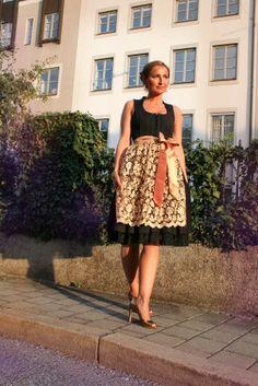 Dirndl Set: Kleid + Schürze