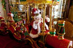 Show Me Decorating, All aboard! Mark Roberts Santa and train
