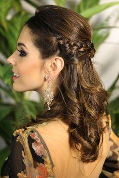 Penteado fácil e chique #hair #hairstyle #penteado #makeup #maquiagem #backstage #fashion #moda #runway #topmodel #itgirl #topmodel #eye #lips #catwalks #redcarpet