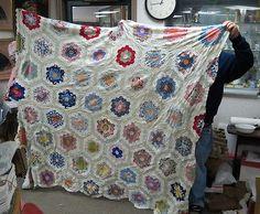 complete hand made Quilt TOP / Grandmother's flower garden / complete / folk art
