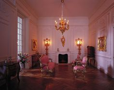 Dollhouse Miniatures : Château Margaux - Pink Salon  Share, Repin, Comment - Thanks!