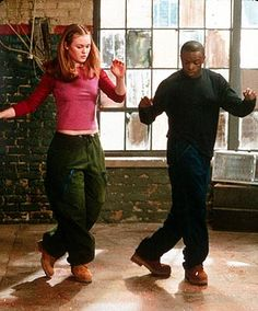 "Save The Last Dance Starring Julia Stiles & Sean Patrick Thomas - Tagline ""The Only Person You Need To Be Is Yourself"". For more teen movies visit. Julia Stiles, Teen Movies, Iconic Movies, Great Movies, Best Dance Movies, Amazing Movies, Classic Movies, Shall We Dance, Lets Dance"