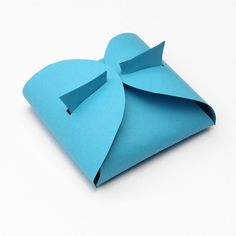 """""""Lines Across"""": Make Your Own Paper Gift Box"""