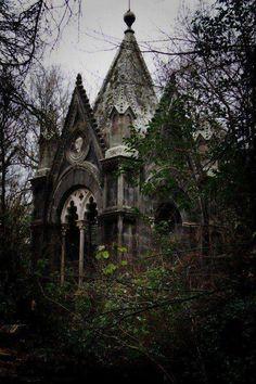 Spooky Splendour in the mists of le temps perdu...