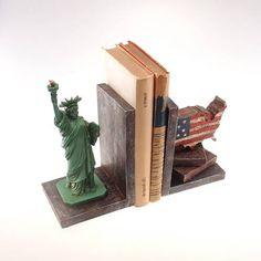 Aparador de Livros Estados Unidos
