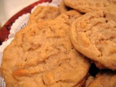 Peanut Butter Cookie Recipe - Weight Watchers 1 pt per cookie. Making these right now, and I'm doubling the size of the cookie for 2 PP. I even plugged the recipe into WW to verify the points are correct. ~Erin