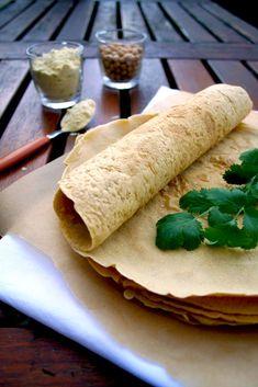 Crêpes à la farine de pois chiche {vegan, sans gluten, sans oeufs, sans lait}