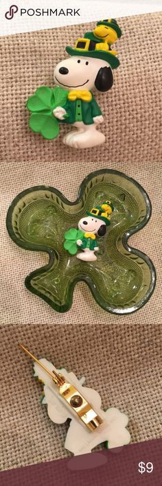 Hallmark Snoopy & Woodstock St. Patrick's Day Pin Selling pin and Trinket dish together. Pin and dish in nice condition. Trinket dish great for holding small jewelry pieces. Pin Mechanism works. Nice bright colors. Hallmark Jewelry Brooches