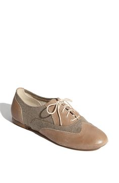 Two-tone oxford flats! Oxford Shoes Outfit bd7e889ff2