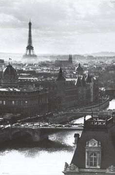 """The Tour Eiffel is genuinely a symbol of Paris. It is the most identifiable function of the city and, in reality, the world. Located in the arrondissement, the Eiffel Tower was a marvel of """"modern"""" engineering. Montmartre Paris, Pont Paris, Louvre Paris, Paris Torre Eiffel, Paris Eiffel Tower, Eiffel Towers, Skyline Art, Paris Skyline, Paris Travel"""