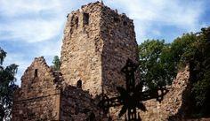 St Olofs ruin Sigtuna  En ruin i trädgården vore inte helt fel