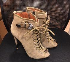 Dressbe | Ankle boot Schutz #bota #ankleboot #schutz #moda #fashion #dressbe #look #style