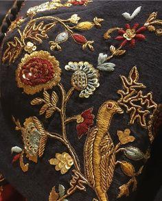Zardosi Embroidery, Hand Embroidery Dress, Tambour Embroidery, Embroidery Suits Design, Couture Embroidery, Embroidery Motifs, Gold Embroidery, Embroidery Fashion, Hand Embroidery Designs