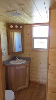 Rich's Portable Cabins has built so many tiny homes that I just have to keep showing you the options that are possible for tiny house living. And they come in all shapes and sizes. It's…