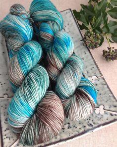 'Zen Garden' 🍃is a new colourway in tonight's shop update at 7.30pm 🌱#hedgerowyarns  #sockyarn #knittersofinstagram