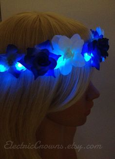 Electric Blue LED flower Crown Flower headband by ElectricCrowns Coachella flowers crown Flower Headband Wedding, Bride Headband, Flower Crown Headband, Flower Crowns, Flower Headbands, Flower Hair, Glow In Dark Party, Glow Party, Night Nation