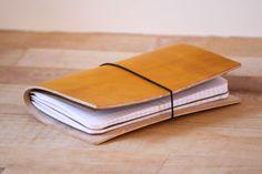 Ledereinband / Travel Journal für 2 Moleskine Cahier / Field Notes gelb | eBay