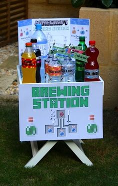 Boy's Minecraft Birthday Party Beverage Station www.spaceshipsandlaserbeams.com