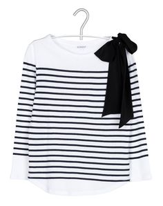 Just bought this mariniere in Red. Claudie Pierlot - my favorite French brand! Fall Fashion 2016, Fashion Mode, Diy Fashion, Autumn Winter Fashion, Love Fashion, Fashion Outfits, Breton Shirt, Preppy Style, My Style