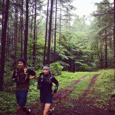 【mamikudo】さんのInstagramをピンしています。 《#MountainMartialArts のカタログ撮影で北軽井沢に💨 ずっと☔️ - #outsideBASE#キャンプ#camp#sports#outdoor#mountain#北軽井沢#green#trailrunning #runner#run#running#jog#jogging#ラン#ランニング#トレラン#healthy#mma#2016aw#trekking#hike#stylist#work#shooting #撮影#rainyday #森#キャンプ場》
