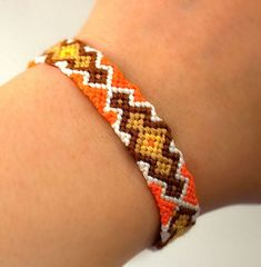 Photo of #19223 by knitter - friendship-bracelets.net