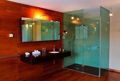 Szállás Sopronban - Fagus Hotel - szobák és lakosztályok 37 Hotels And Resorts, Bathroom Lighting, Sweets, Mirror, Furniture, Home Decor, Bathroom Light Fittings, Bathroom Vanity Lighting, Decoration Home