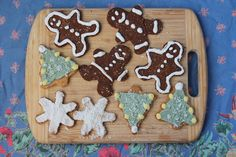Paleo Vegan Sugar Cookies - Healy Real Food Vegetarian (not fully SCD legal, but great ideas for making food dyes for frosting)