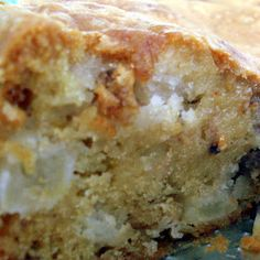 Mais uma receita que vi no Chocolatria . Esse bolo é muito saboroso, o melhor bolo de maçã que já comi!  Molhadinho, lindo, crocante, perfu...