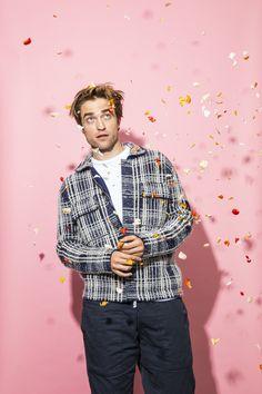 Robert Pattinson Is Actually A Laugh | Robert Pattinson Interview Edward Cullen Robert Pattinson, Robert Pattinson Twilight, King Robert, Robert Douglas, Pretty Boys, Pretty People, Actors & Actresses, Beautiful Men, Sexy Men