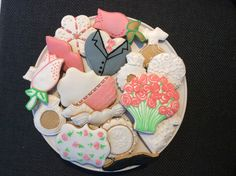 How to ice biscuits like a pro. Learn with Sugartists. Fun relaxing classes for all abilities. Iced Biscuits, Learning, Desserts, Fun, Tailgate Desserts, Studying, Dessert, Postres, Teaching