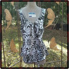 Paisley Print Top Black and white paisley print top. Ties in front at vneck. AGB Tops