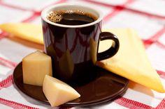Harmonize seu café com um queijo meia cura e provolone. #Receita #Cafe #Provolone