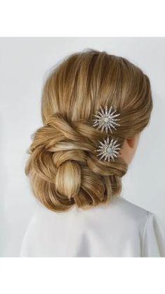 Bun Hairstyles For Long Hair, Wedding Hairstyles, Long Hair Easy Updo, Simple Hair Updos, Hairdos, Hair Up Styles, Hair Videos, Makeup Videos, Hair Designs