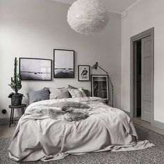 33 Scandinavian Bedroom Ideas That Are Modern and Stylish. minimalist bedroom decor Visit the image link for more details. Cozy Bedroom, Bedroom Apartment, Scandinavian Bedroom, Master Bedroom, Teen Bedroom, Scandinavian Style, Dream Bedroom, Bedroom Wall, Minimalist Bedroom