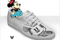 Idea for sharpie shoes Disney Diy, Cute Disney, Baby Disney, Disney Style, Disney Land, Disney Ideas, On Shoes, Baby Shoes, Sharpie Designs