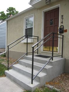 exterior metal railings for steps Railings For Steps, Outside Stair Railing, Porch Step Railing, Porch Handrails, Exterior Stair Railing, Outdoor Stair Railing, Wrought Iron Stair Railing, Porch Stairs, Front Stairs