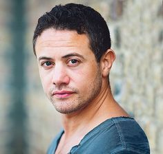 Warren Brown. Played DS Ripley in Luther. Killed off though. :(