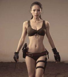 Cosplay Lara Croft asiatique sexy