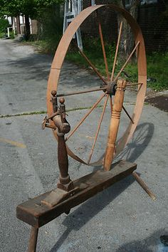 ANTIQUE Primitive Late 1700's Spindle Spinning Wheel used During Benjamin Franklin's life.