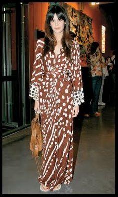 Luiza Mariani Balenciaga Handbags, Dresses With Sleeves, Long Sleeve, Fashion, Moda, Sleeve Dresses, Long Dress Patterns, Fashion Styles, Gowns With Sleeves