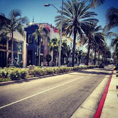 Rodeo Drive ... do they have Thrift Stores?!
