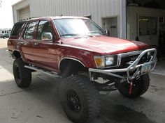 Want a bumper & winch similar to this. Toyota Surf, Toyota 4x4, Toyota 4runner, Lifted Trucks, Cool Trucks, Pickup Trucks, 4runner Off Road, Off Road Camping, Car Mods